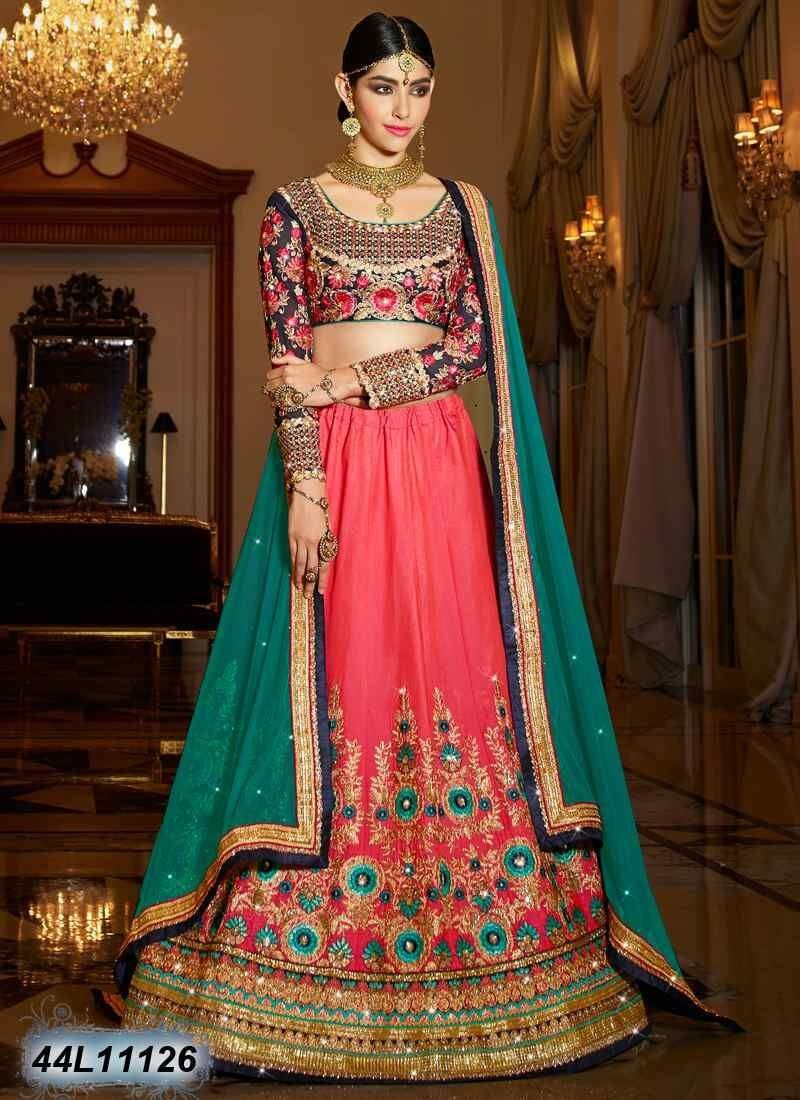Go ethnic this season with this flawless peach u navy blue color