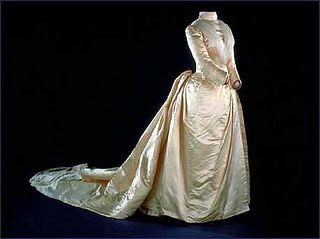 First Lady Frances Cleveland S 1886 Wedding Dress Wedding Dresses Satin Vintage Bridal Fashion Wedding Dresses