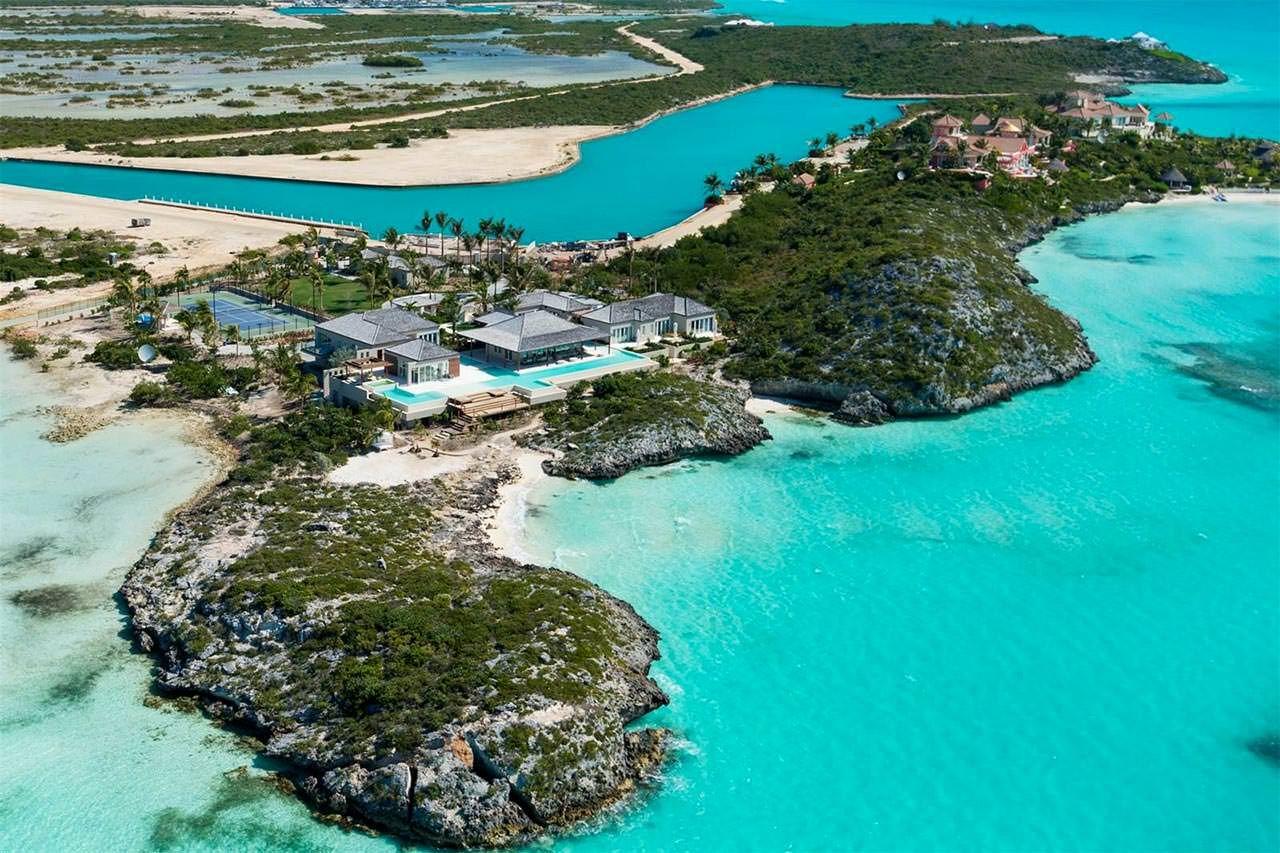 Pin By Rosee Croker On Caribbean Turtle Tail Estate Caribbean Homes Island Villa Turks And Caicos Villas
