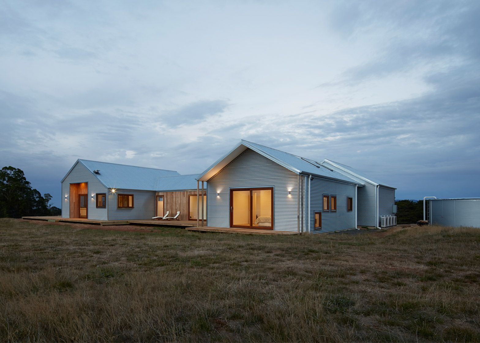 This Shed Inspired House In Australia Features A Low