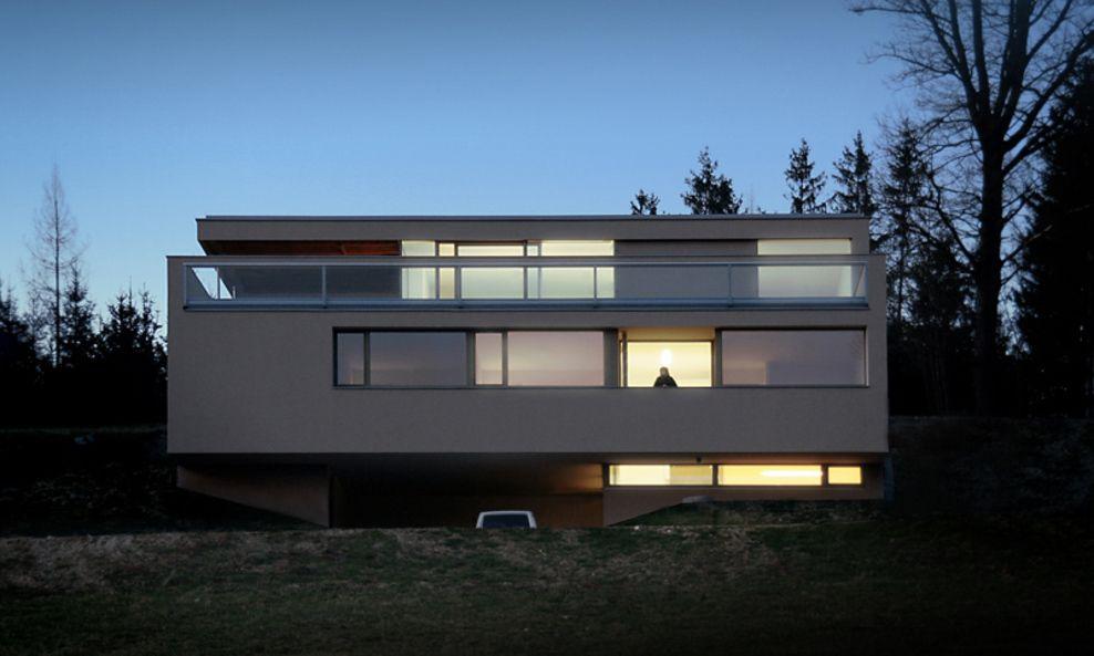 Detached House – Hillside House