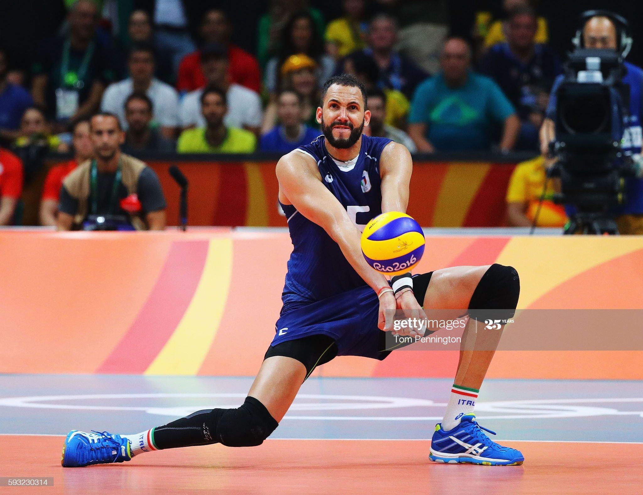 Osmany Juantorena Of Italy Sets The Ball During The Men S Gold Medal Match Between Italy And Brazil On Day 16 Of In 2020 Rio Olympics 2016 Olympics 2016 Olympic Games