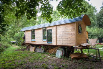 leben im bauwagen garten pinterest bauwagen leben und minihaus. Black Bedroom Furniture Sets. Home Design Ideas