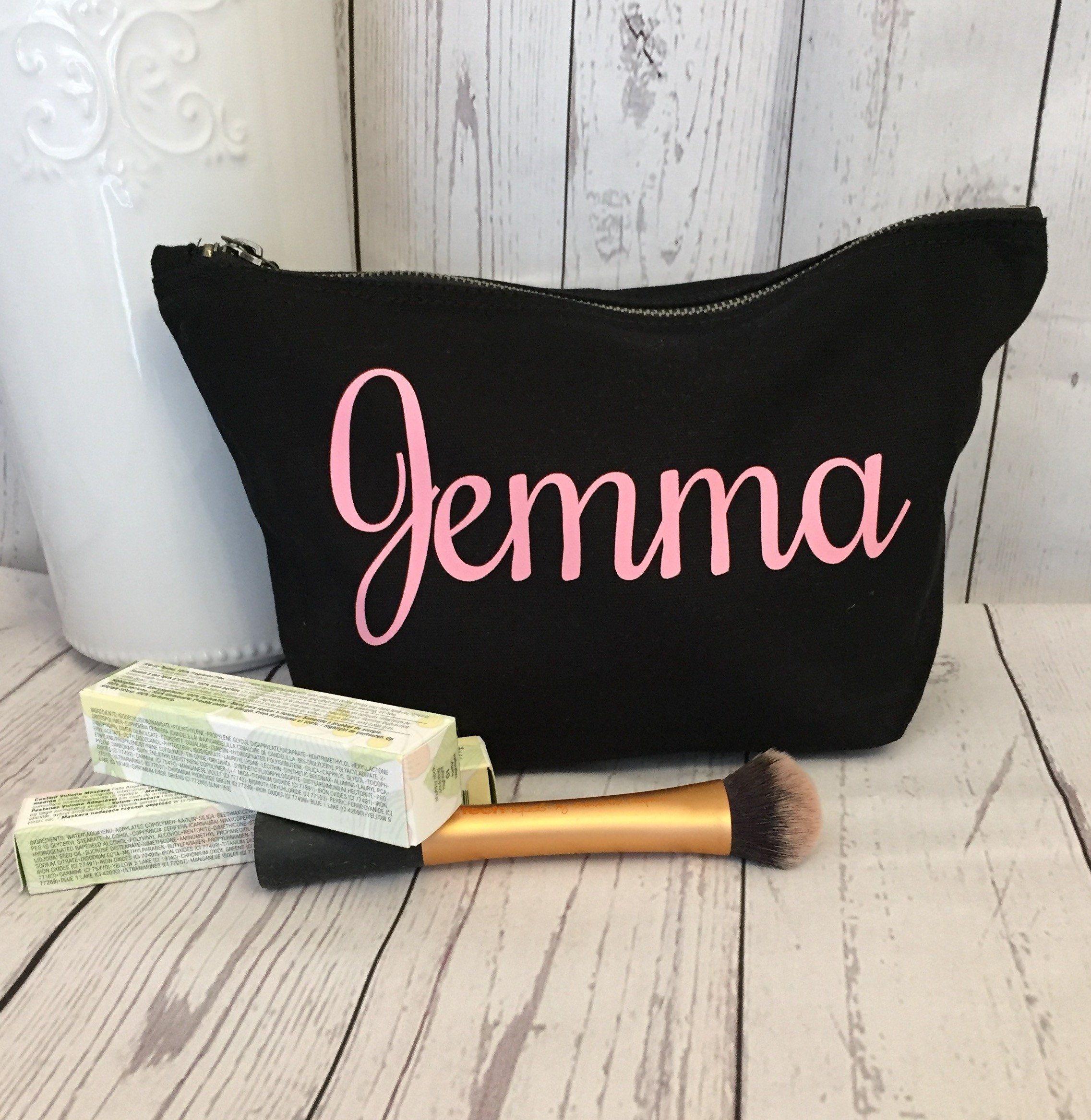 Personalisierte Make Up Tasche (Schwarze Tasche, Textfarbe nach Wahl) – Rot
