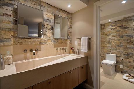 Baños decorados con piedra