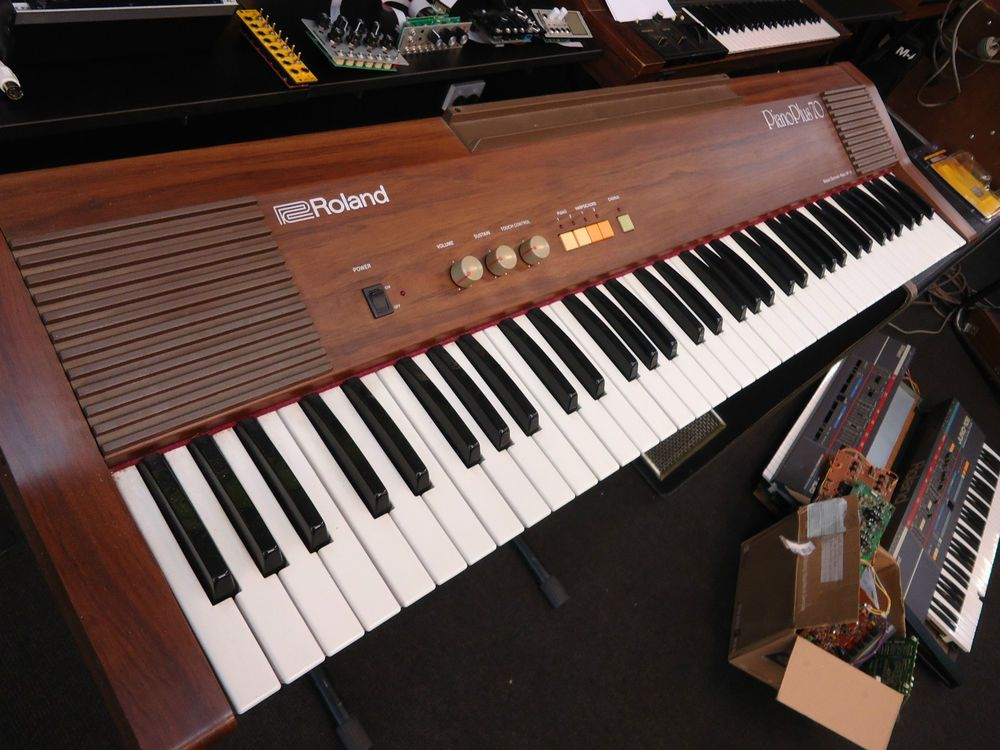 Roland Piano Plus Hp 70 Hp70 76 Key Vintage Retro Analog Electric Keyboard Piano Electric Keyboard Keyboard Piano Roland Piano
