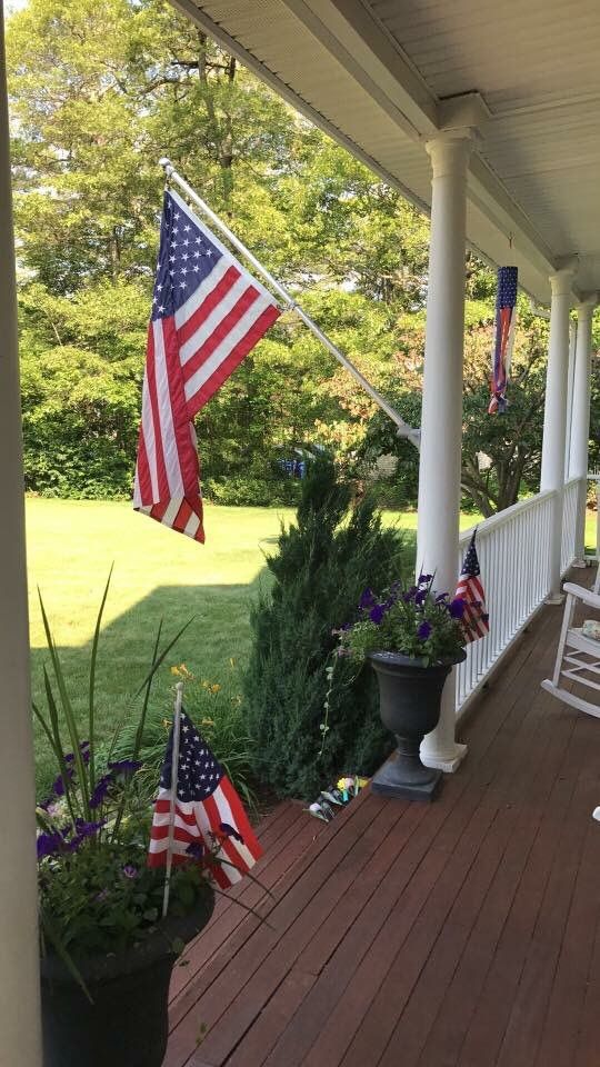 So much patriotism! FlagsFromParadisoIns (With images
