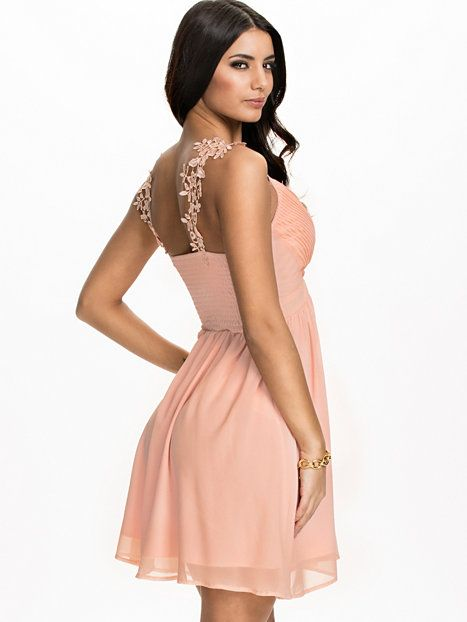 Cross Front Crochet Strap Dress - Te Amo - Pink - Juhlamekot - Vaatteet - Nainen - Nelly.com