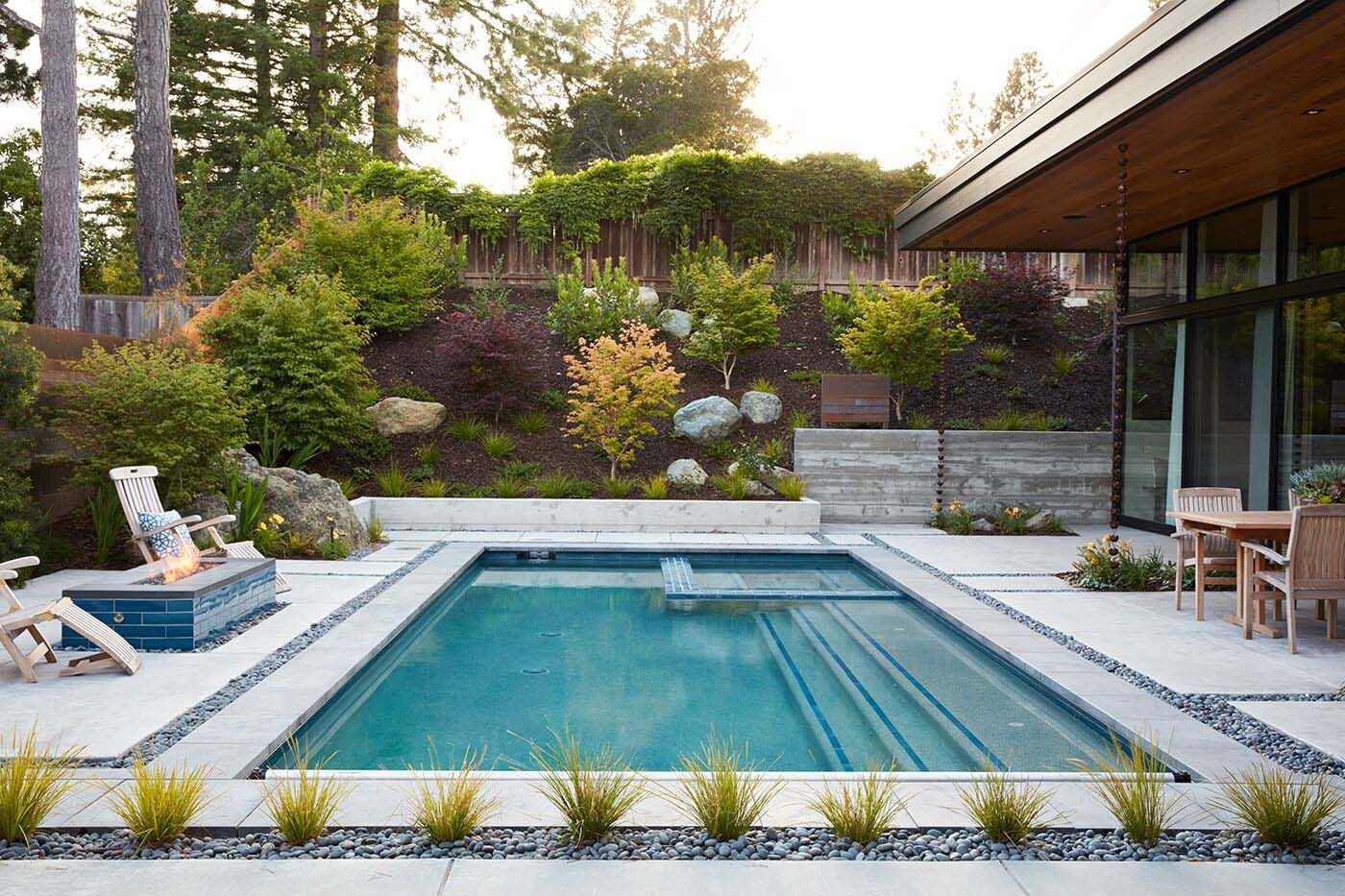Eichler Inspired Home In California Opens To The Outdoors Modern Landscape Design Modern Landscaping Mid Century Landscaping