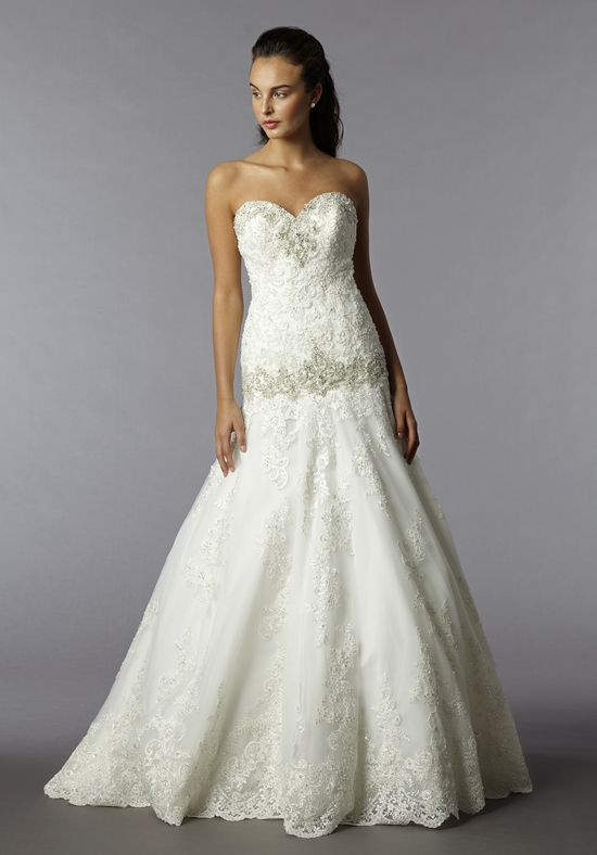 An sweetheart neckline, A-Line gown lace gown // Alita Graham Style ...