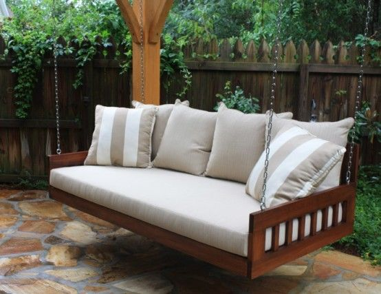 Lovely Relaxing Outdoor Hanging Beds