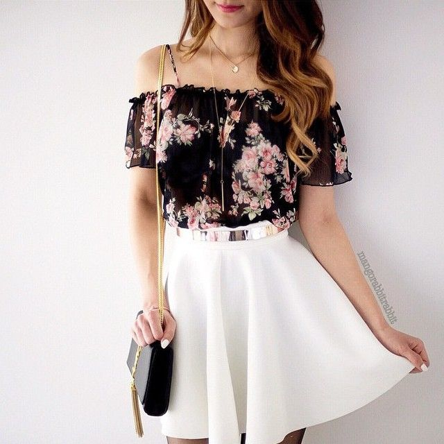 Cute floral shirt and white skirt Be featured in Model ...