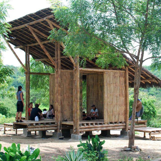 Bus Stop In Pile Ecuador Alex Diaz Bamboo Architecture Eco