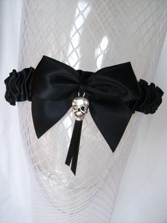 Black Purple Skull Garter Wedding Throw Toss Goth Prom