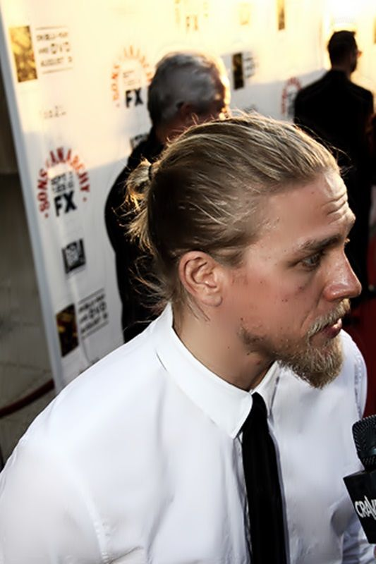 what's with bearded men ..i mean come on....