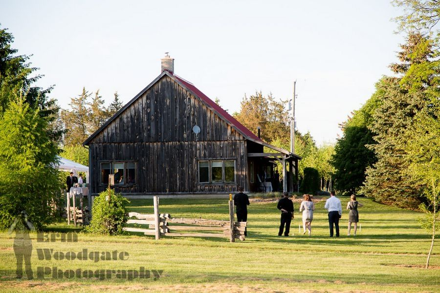 The Harvest Table At Arrowwood Farm Offers Rustic Indoor Outdoor Wedding Es In Melbourne
