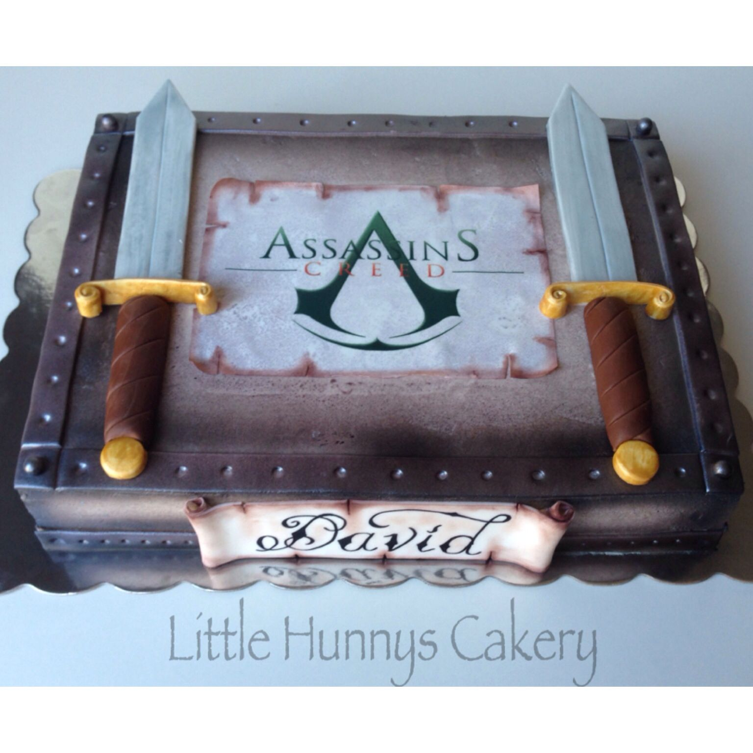 Cake Design Assassin S Creed : Assassins creed cake. All edible. CAKES by Little Hunnys ...