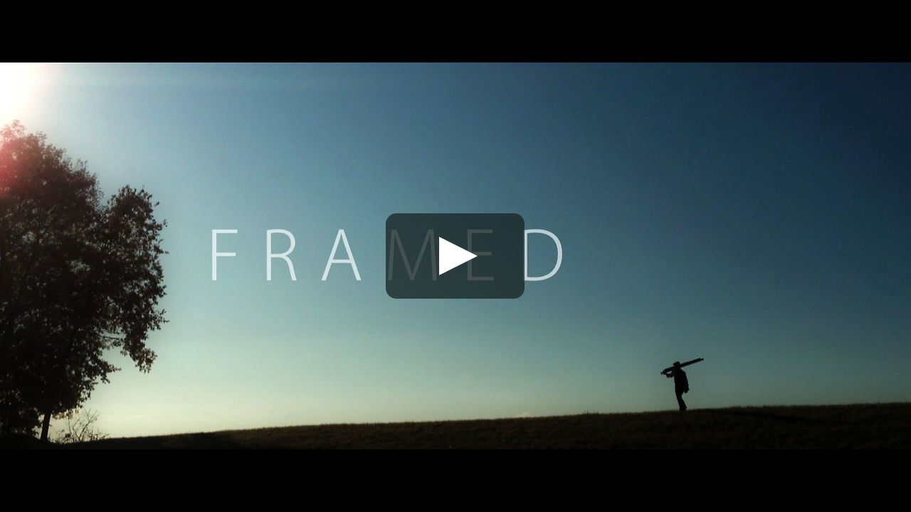 Story : A photographer walks around the woods to take some pictures, when something unexpected happens.  Entirely shot on iPhone 4S. Editing : Final Cut Pro 7 Grading…