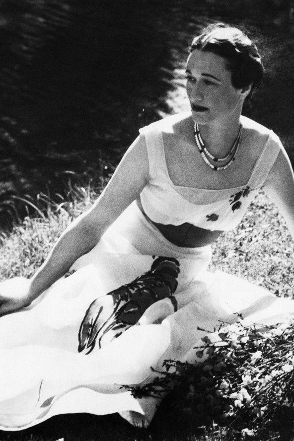 Elsa Schiaparelli Lobster Dress worn by Wallis Simpson. Shame she was a Nazi sympathiser because she had some superb frocks
