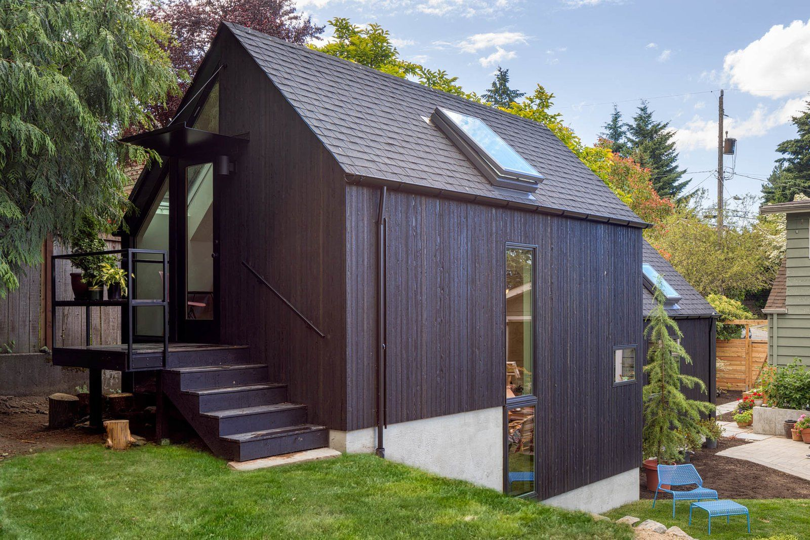 Photo 2 Of 13 In A Detached Garage Becomes A Winning Granny Pad Backyard Cottage American Houses Backyard Garage