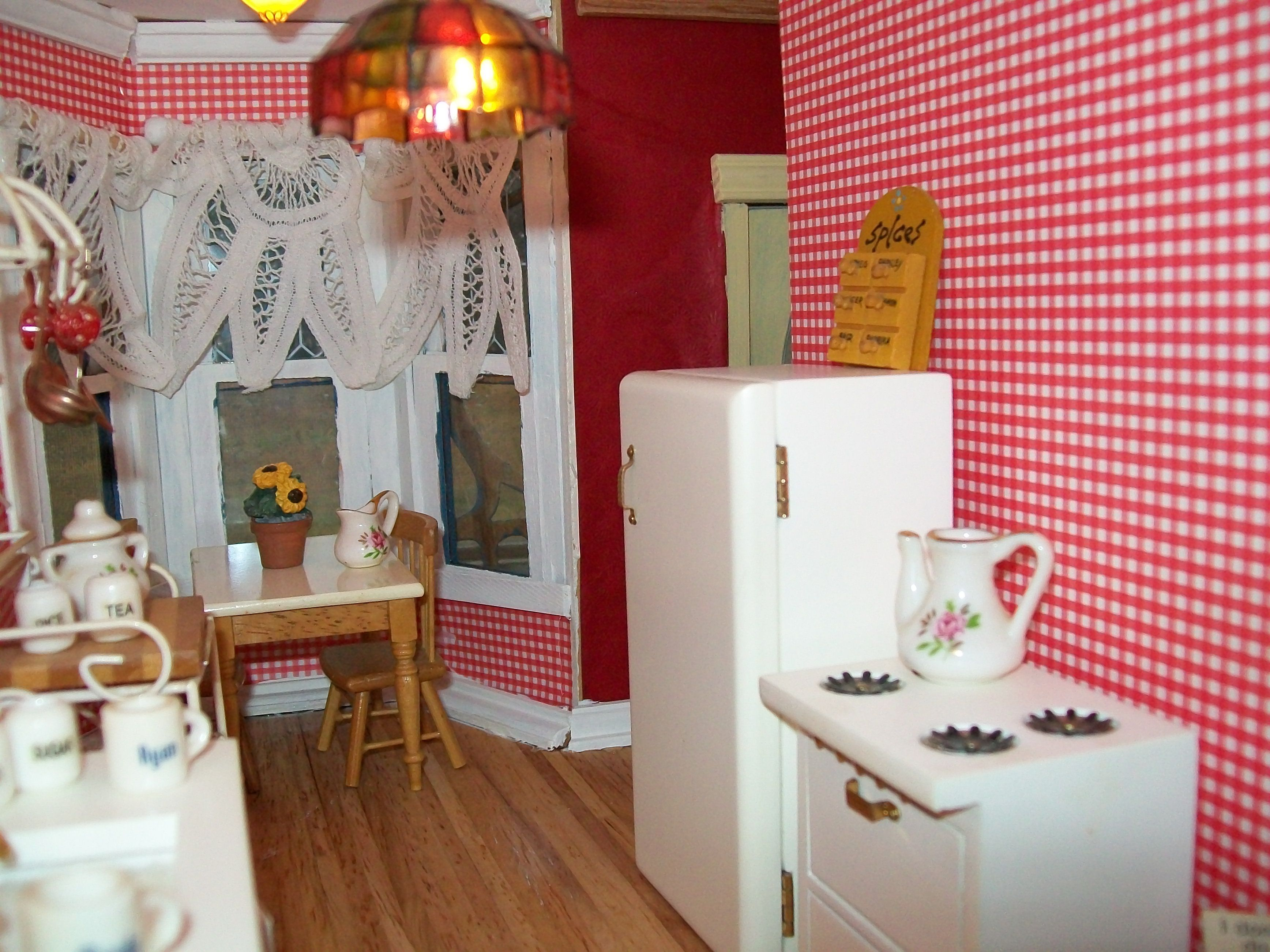 Scrapbook paper dollhouse wallpaper - Decorated Rooms In The Dollhouse I Used Leftover Lace To Make The Curtains And