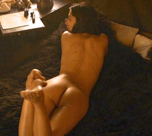 Oona Chaplin Nude Pics