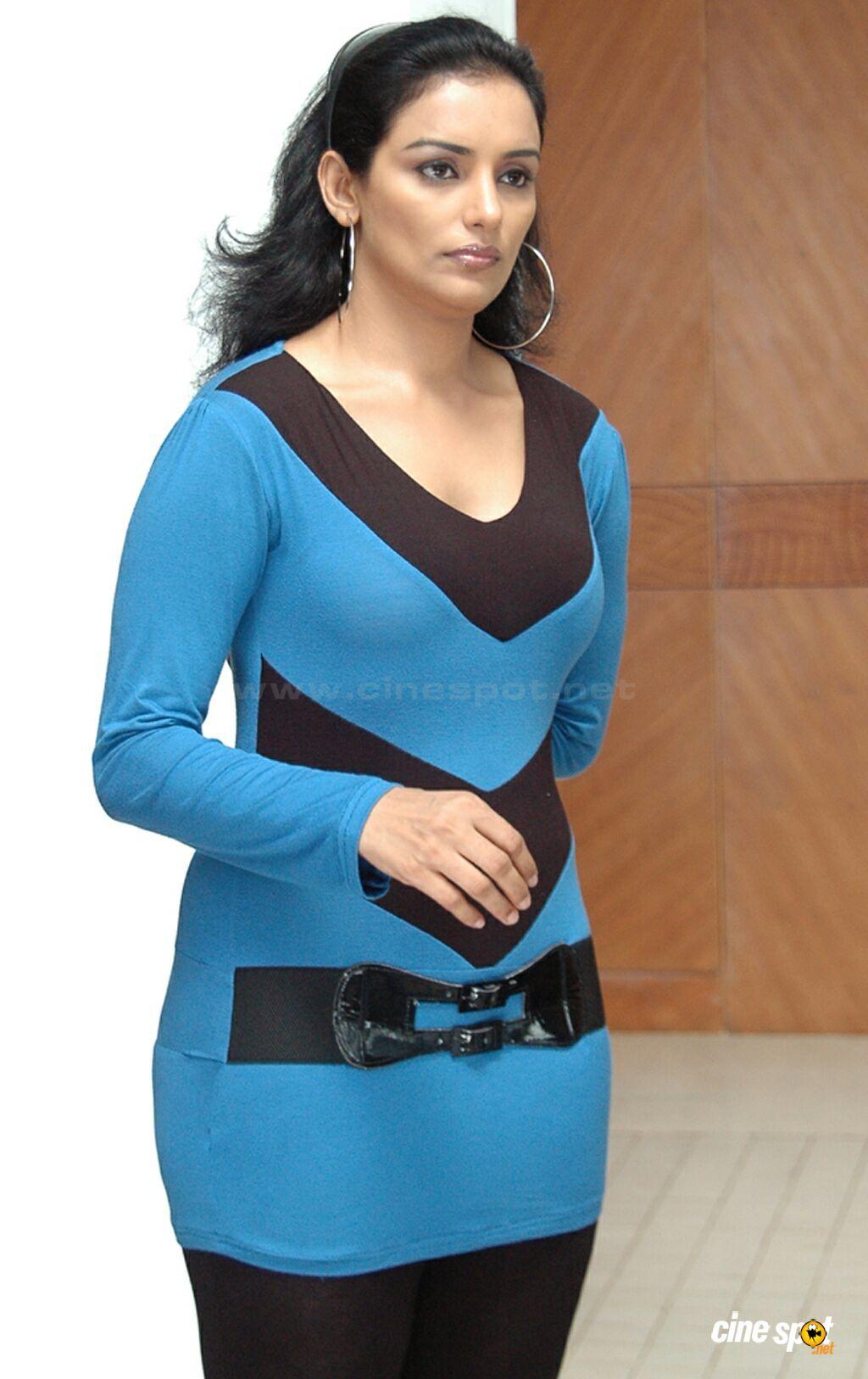 swetha menon singer