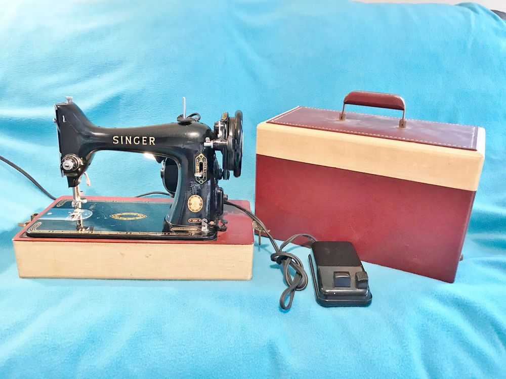 Vintage Singer 40k Portable Sewing Machine Original Case Foot Extraordinary Vintage Singer Portable Sewing Machine