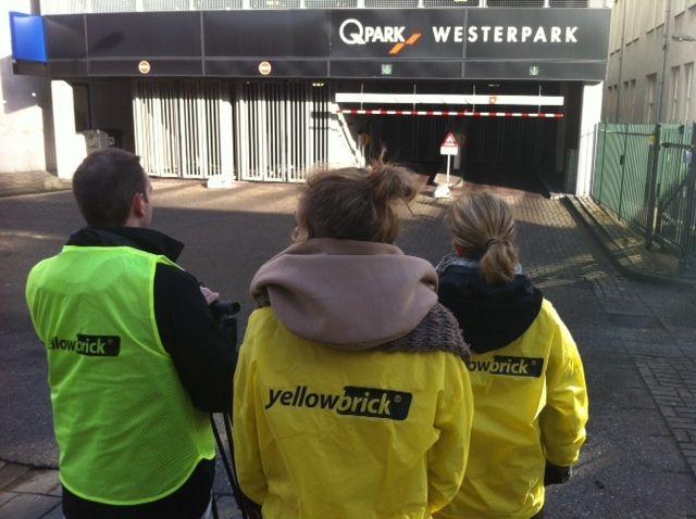 Vandaag vinden er door het hele land filmopnames plaats. Yellowbrick gaat haar diensten namelijk vastleggen op video, zodat het voor iedereen nog makkelijker wordt om te gaan bricken. Handig he? De filmcrew heeft er zin in!