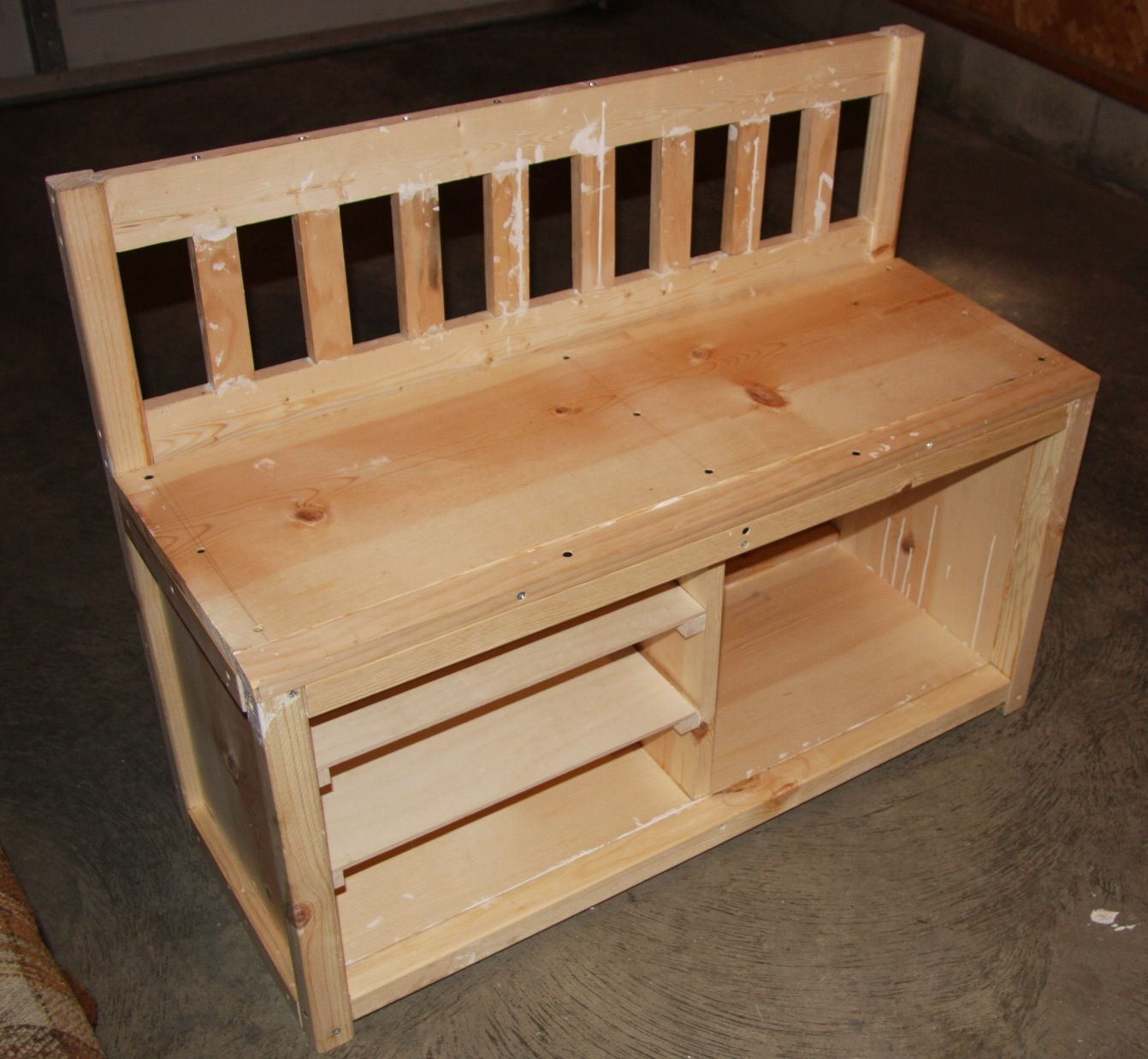 diy shoe rack bench cottage bench with shoe rack do it yourself home projects from ana. Black Bedroom Furniture Sets. Home Design Ideas