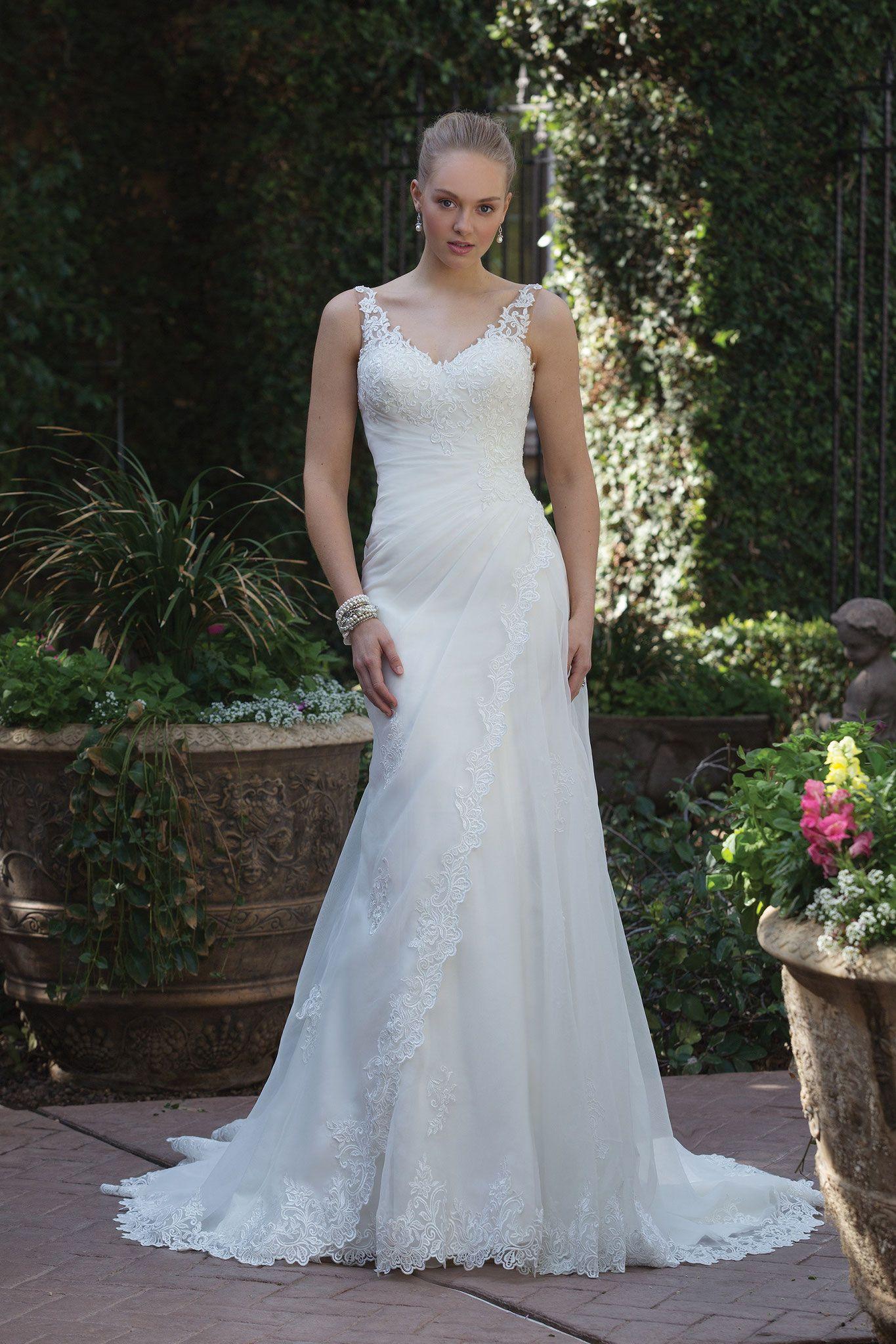 Red wedding dress meaning  Kollektion Sincerity  brautmodentirol tirolerbraut sincerity