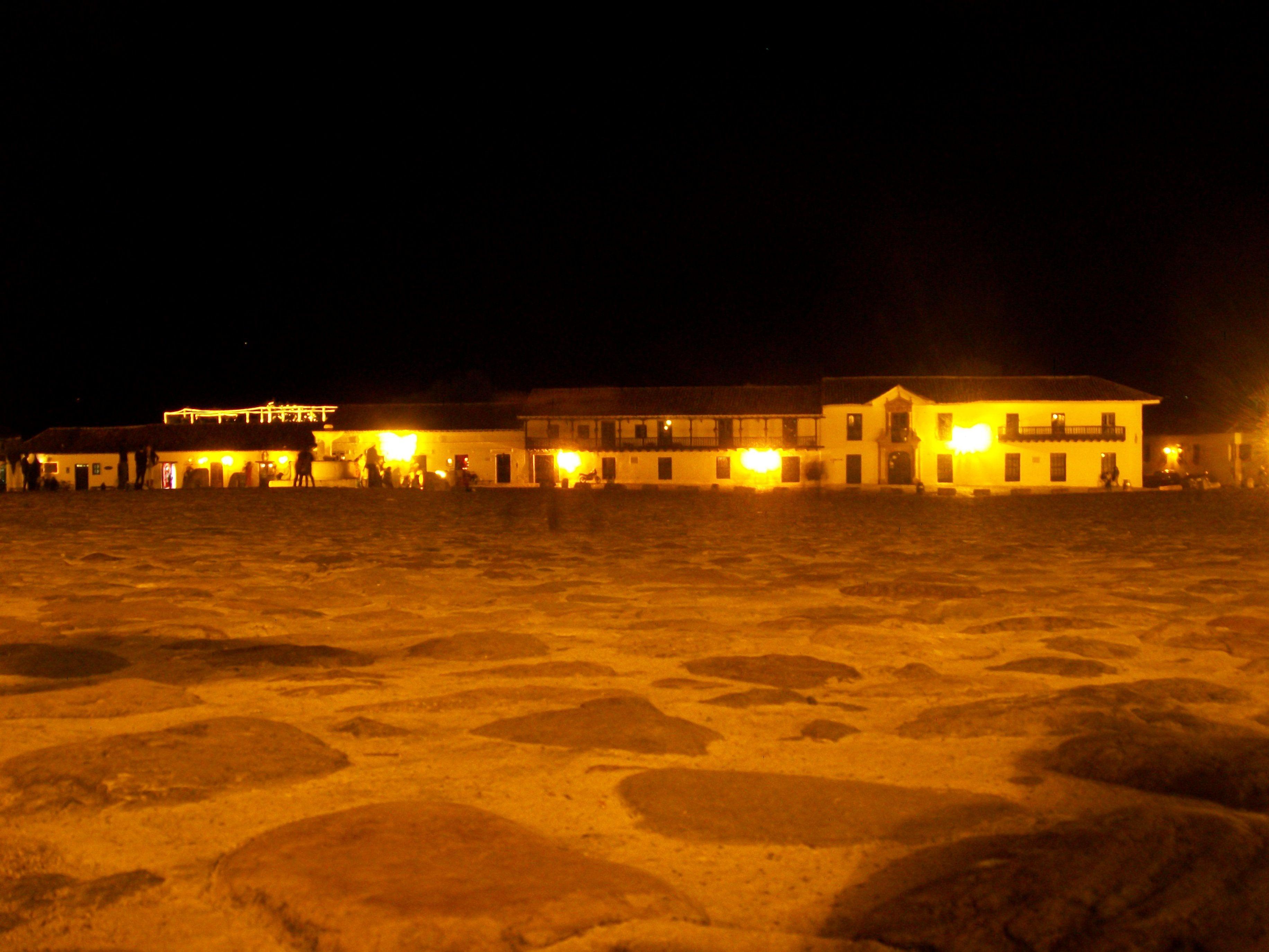 Noche en la plaza sinestesia