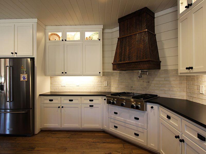 Farmhouse Style Kitchen Brickwork Tile Backsplash In