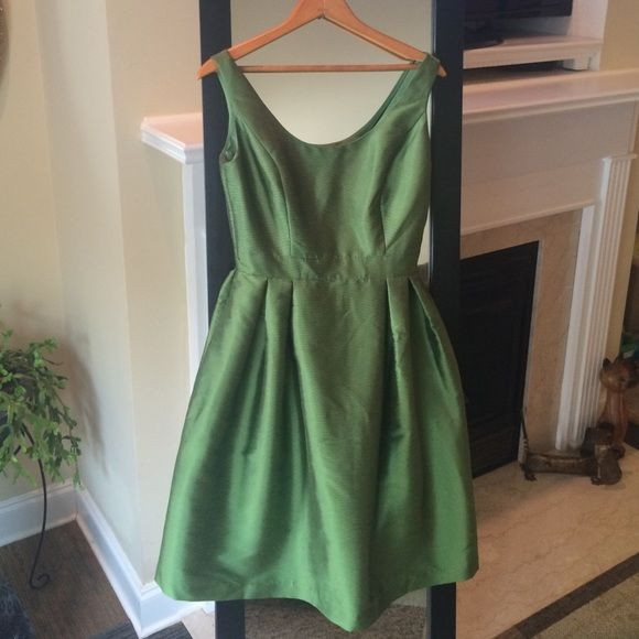 """Alfred Sung Dress Alfred Sung beautiful green dress.  Worn only once for a wedding.  35"""" bust, 27"""" fitted waist, full skirt, slightly off the shoulder Alfred Sung Dresses Midi"""