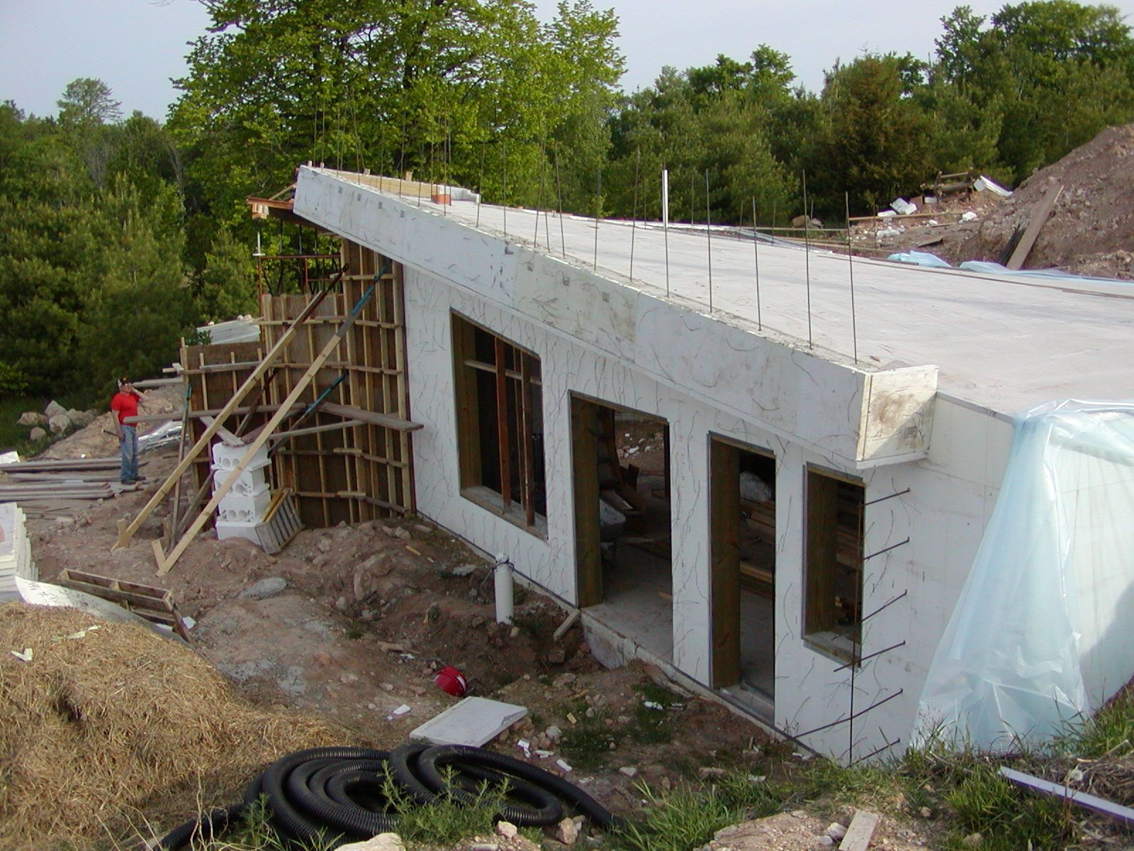 Icf construction with tf forming systems a safe room or a for Icf concrete roof