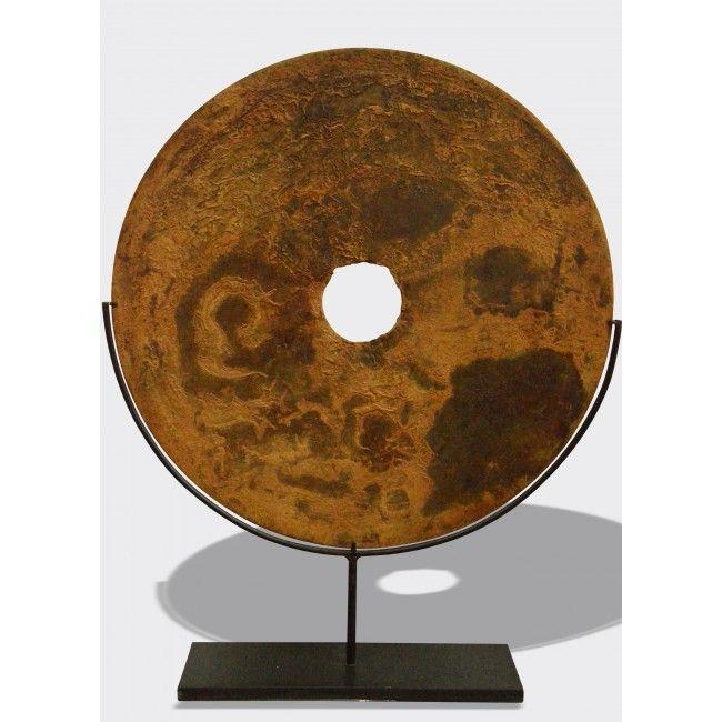Sculpture disque en m tal rouill mont sur un socle en for Disque en miroir