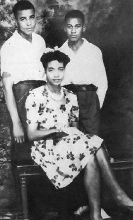James Earl Jones, his mother Ruth, and his youngest uncle ...