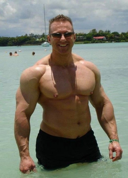 Can big muscle men fucking