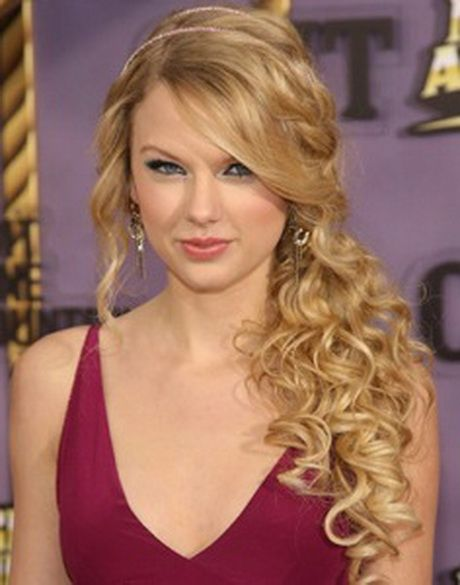 Prom Hairstyles For One Shoulder Dresses With Images Prom Hairstyles For Long Hair Long Hair Styles Curly Prom Hair