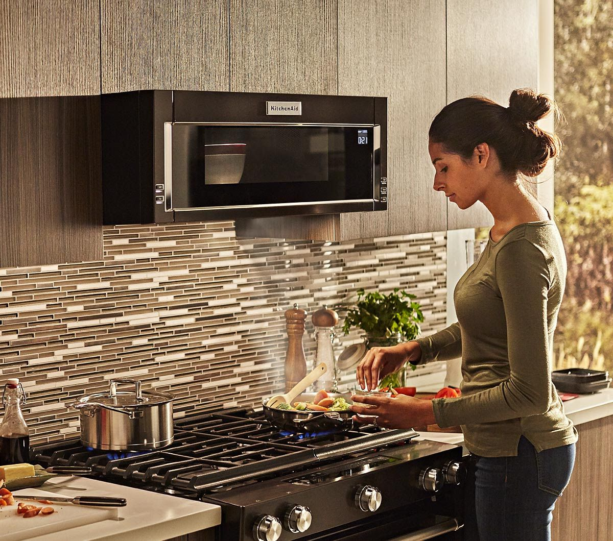 Kitchenaid Low Profile Microwave And Hood Combination Microwave Hood Microwave In Kitchen Kitchen Aid