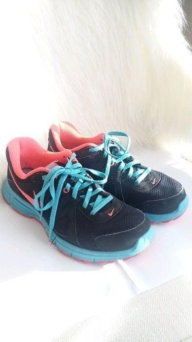 cbdc565b563308 Neon rot blau Nike Revolution 2