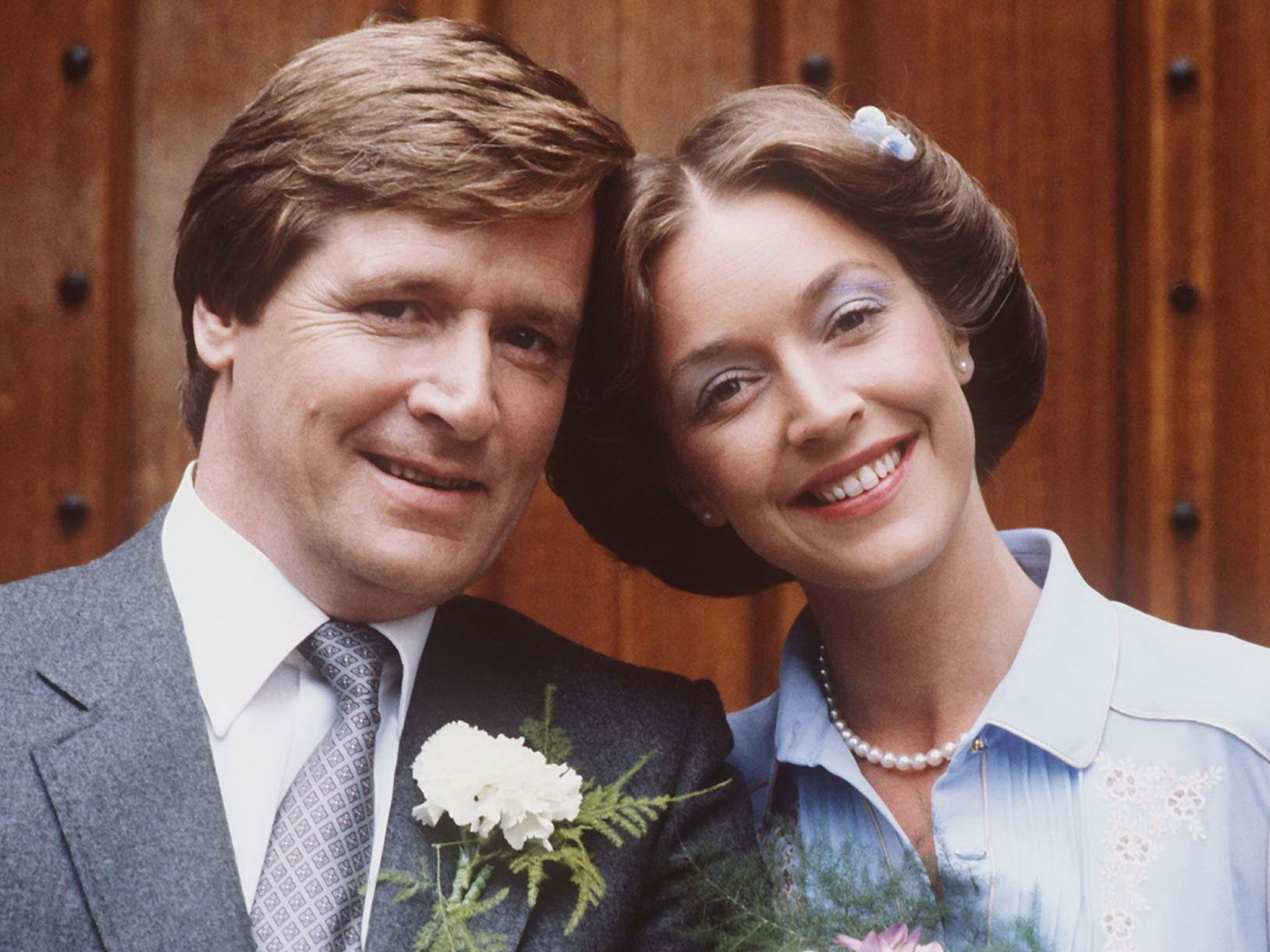 Corrie fans are today mourning the sad loss of much-loved actress Anne Kirkbride, who played Deirdre Barlow in the soap for the past 42 years.  #CoronationStreet