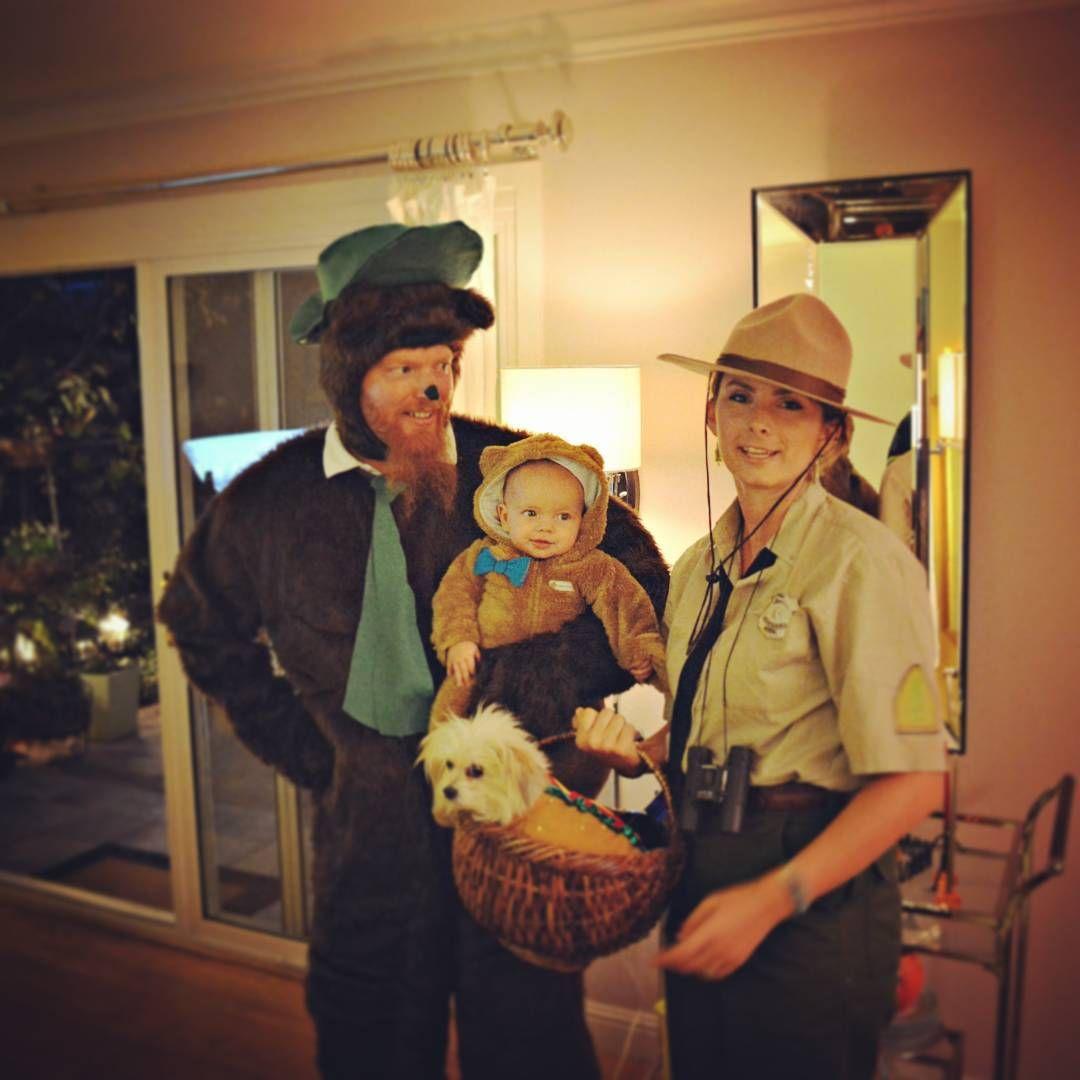Yogi Boo Boo Ranger Smith And A Hotdog In A Picnic Basket Family