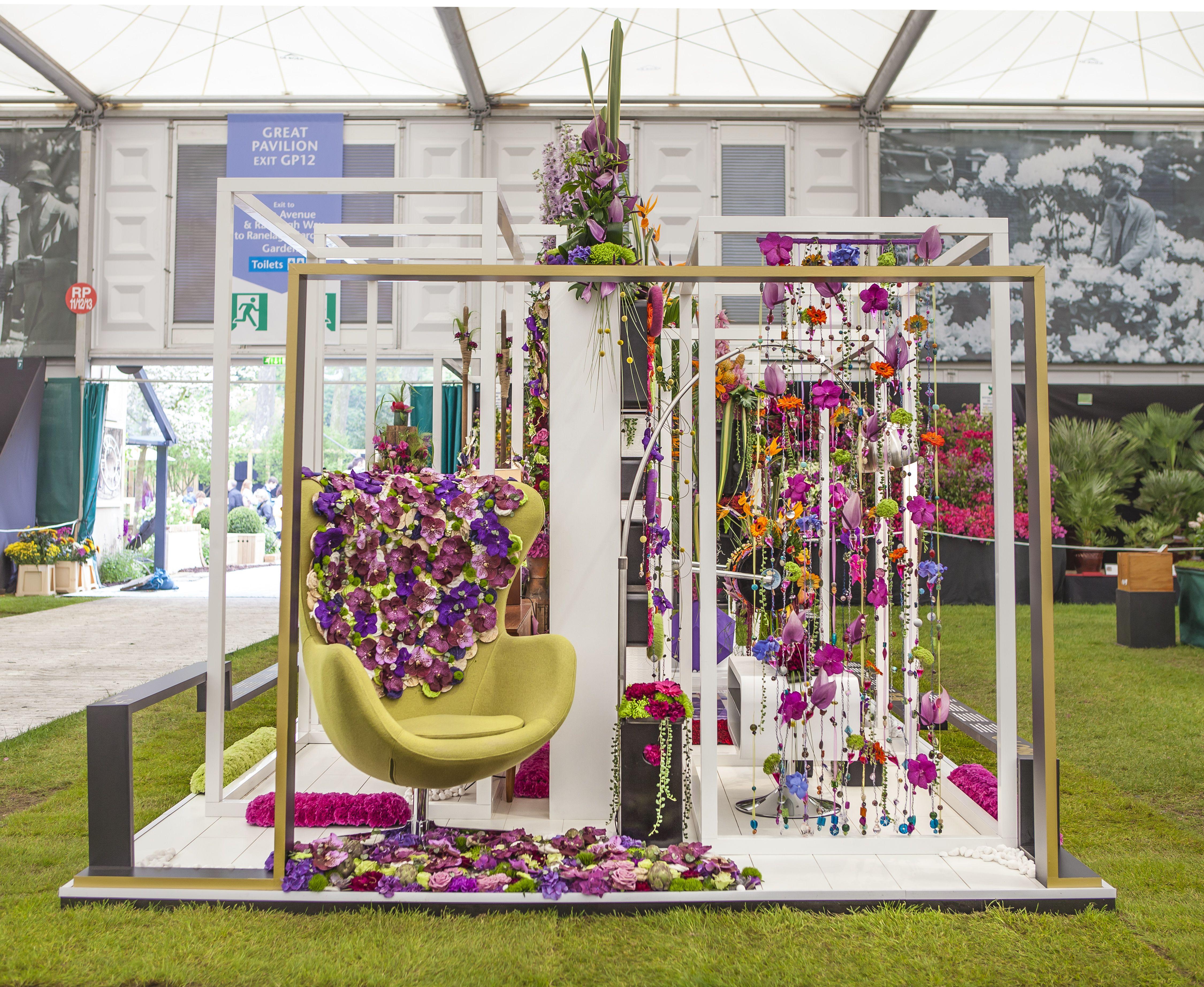 Interflora Exhibition Design At Rhs Chelsea Flower Show 2013 Exhibition Booth Design Trade Show Design Exhibition Design