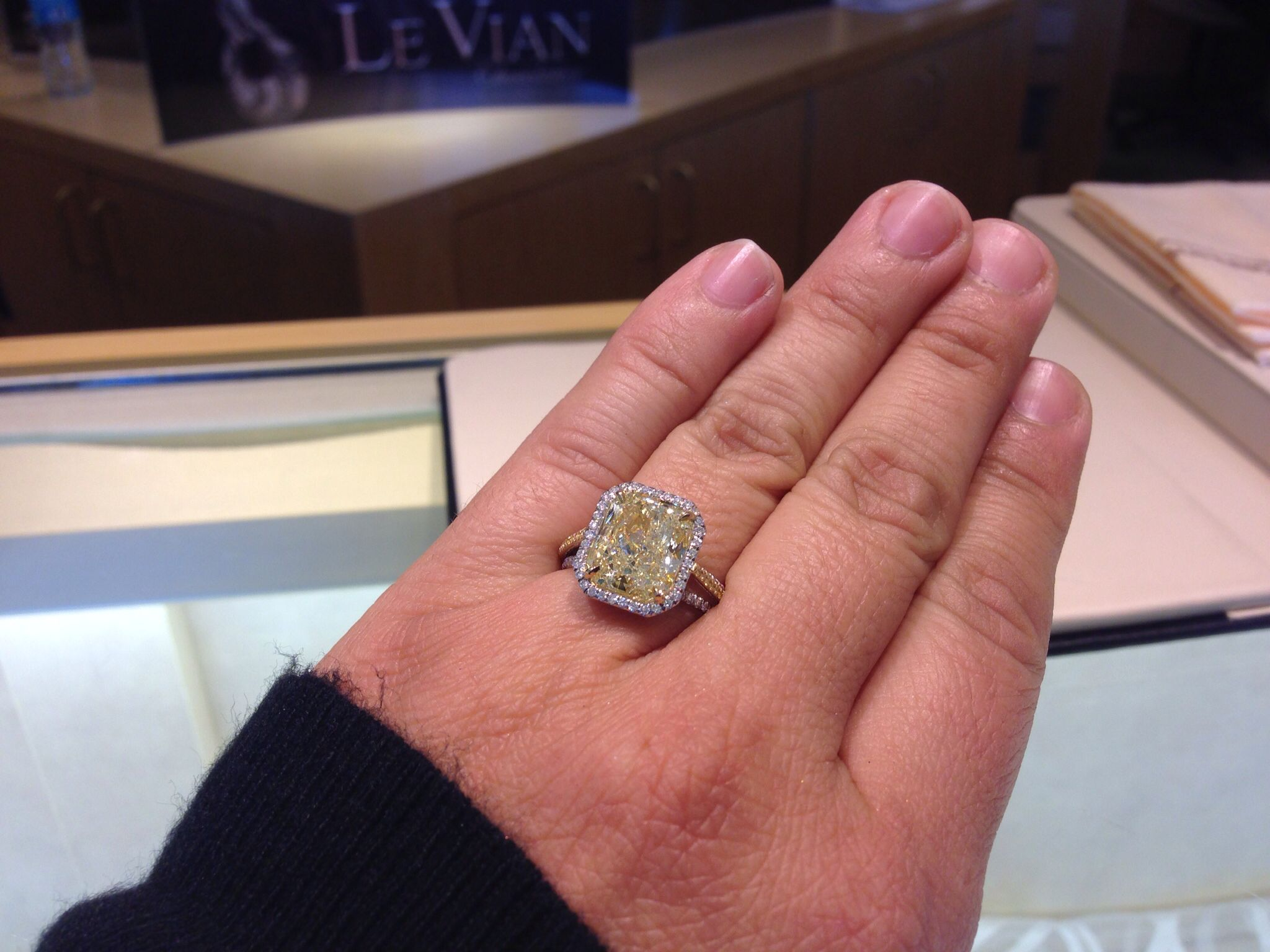 Le vian yellow diamonds.....oh my! | One day...ICE | Pinterest | Le vian