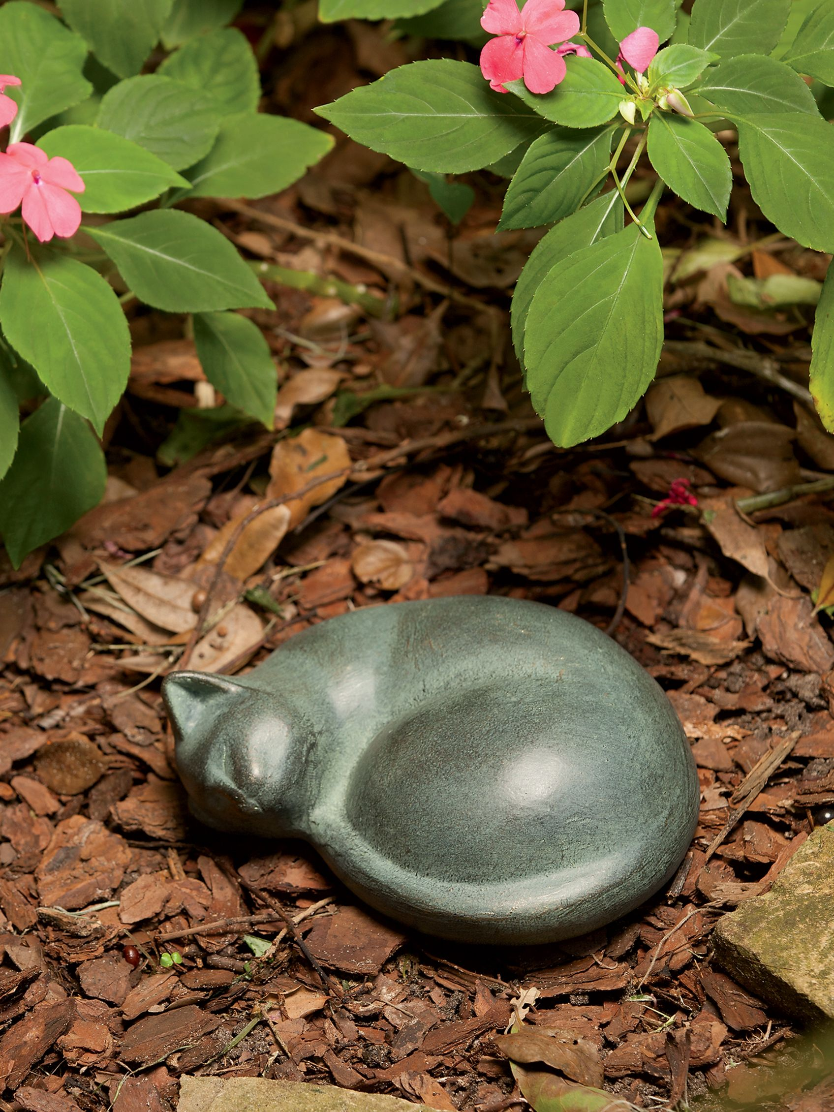 Cat Statue Sleeping
