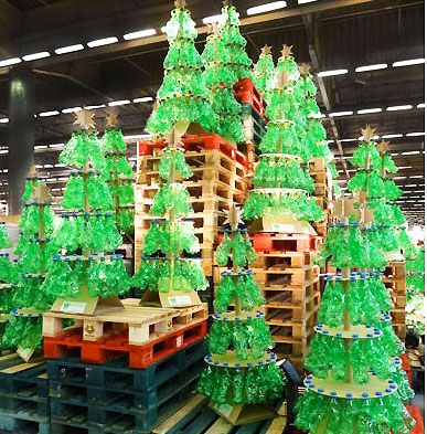 objet recycl fabriquer recherche google xmas recycled christmas tree christmas. Black Bedroom Furniture Sets. Home Design Ideas
