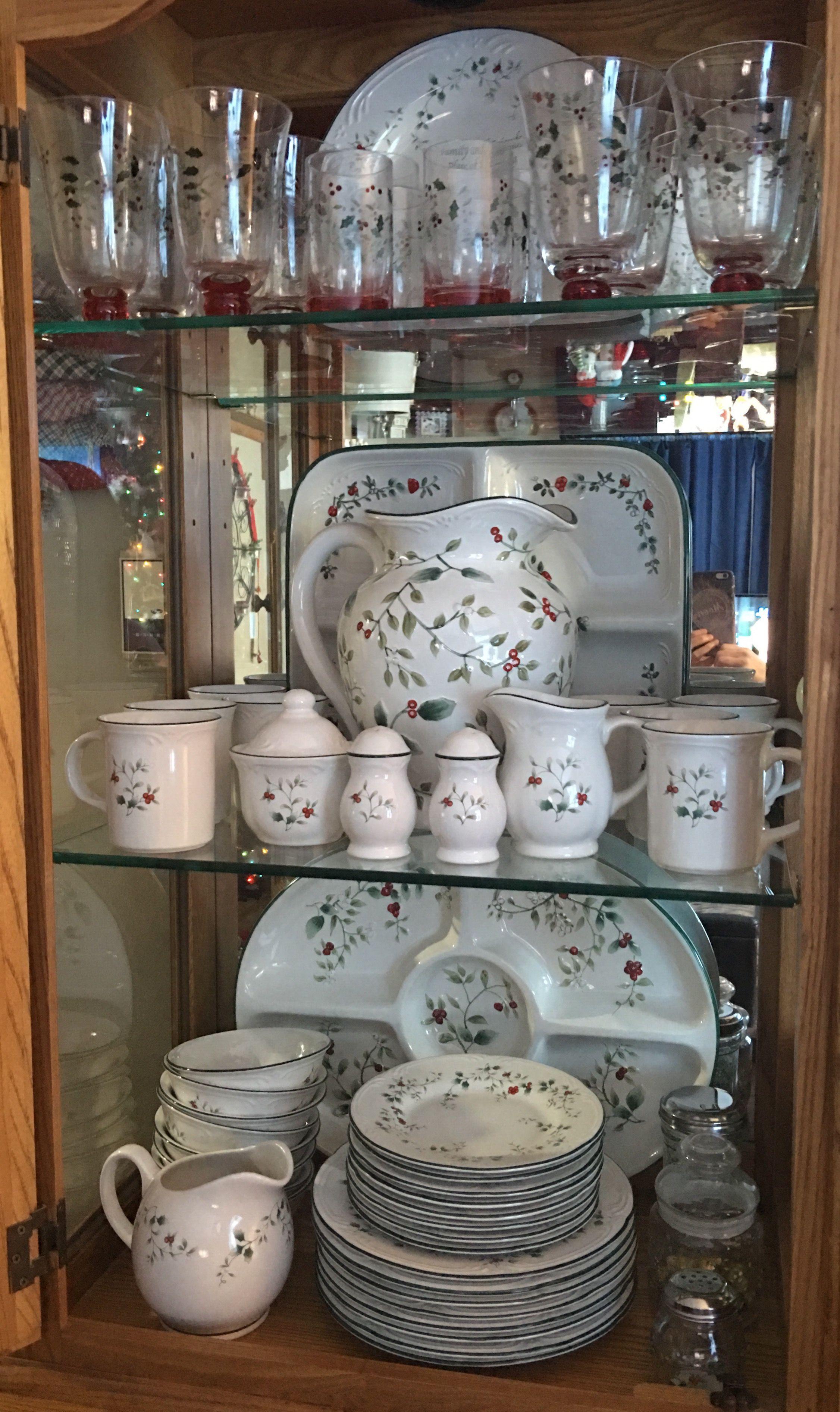 Pfaltzgraff Winterberry dinnerware. & Pfaltzgraff Winterberry dinnerware.   Christmas   Pinterest ...