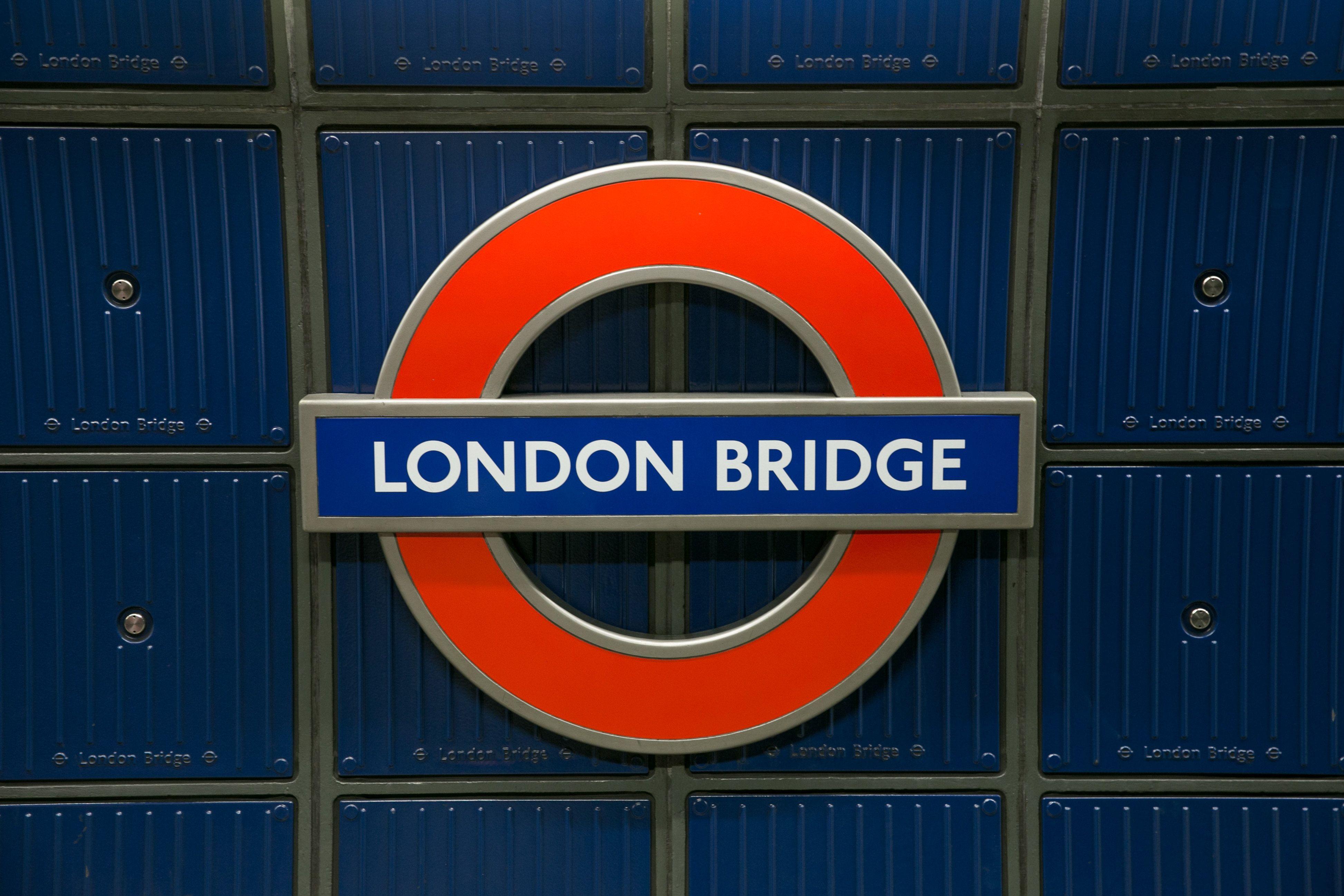 London Bridge Station Stabbing Three Arrests After Platform Fight London Underground Stations London Bridge London Underground Tube