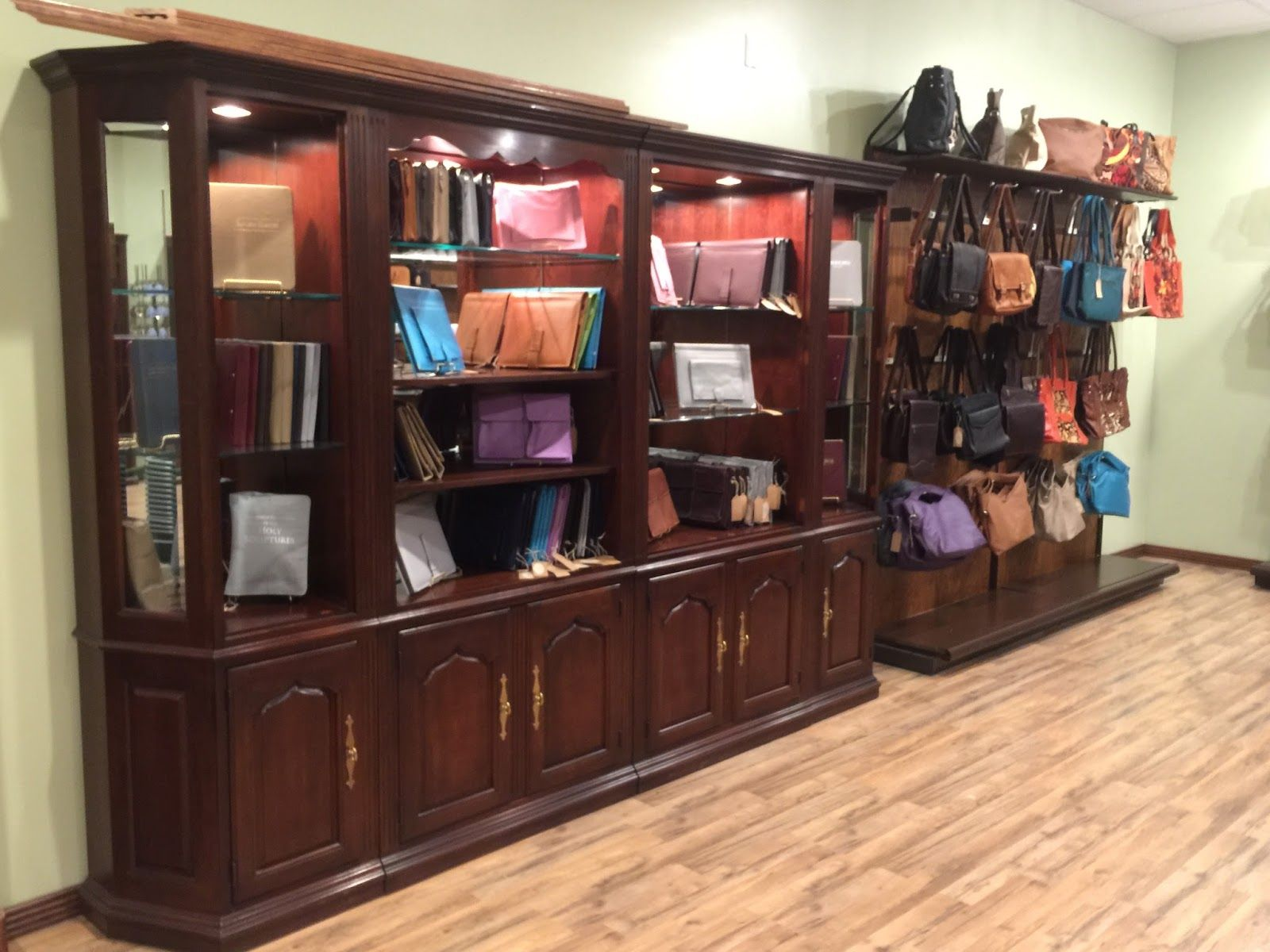 GRAND OPENING!: The 1st Ministry Ideaz Retail Outlet